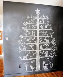 Easy Ideas for Handmade Christmas Decor. Spread holiday cheer with these Wall Christmas Tree - Alternative Christmas Tree Ideas and other holiday ideas. Wall Christmas Tree, Creative Christmas Trees, Noel Christmas, Winter Christmas, All Things Christmas, Christmas Crafts, Christmas Decorations, Christmas Countdown, Wall Decorations