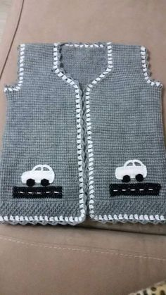 Hand knit baby vest /cardigan / with Teddy. Knitting Blogs, Easy Knitting, Knitting For Kids, Crochet For Kids, Vogue Knitting, Baby Hat Knitting Pattern, Vest Pattern, Baby Pullover, Baby Cardigan