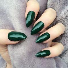 49 Super Ideas For Nails Green Mate Hot Nails, Hair And Nails, Stiletto Nails, Glitter Nails, Nail Polish Designs, Nail Designs, Oval Nails, Super Nails, Nagel Gel