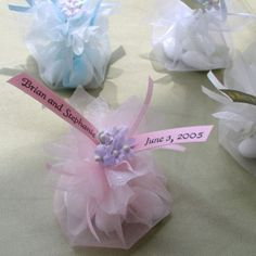 easy, inexpensive wedding favor. Tulle pouch with candy