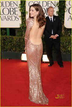 Anne Hathaway globos de oro 2011 05