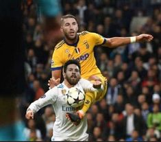 Only way you can convince Barca fans it was a penalty Football Comedy, Football Memes, Real Madrid, Soccer, Baseball Cards, Sports, Instagram, Pictures, Hs Sports