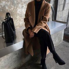 Trendy Fashion Outfits Chic All Black Ideas Trend Fashion, Fashion Mode, Minimal Fashion, Look Fashion, Korean Fashion, Womens Fashion, Minimal Style, 90s Fashion, Catwalk Fashion