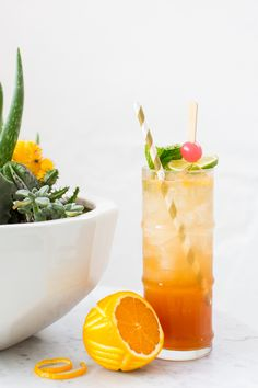 I wanted to sneak in one last ode to the warm, sunny days with this Esmeralda Fizz cocktail recipe that Robin from Double Trouble made for us! Summer Cocktails, Cocktail Drinks, Cocktail Recipes, Healthy Cocktails, Tequila Drinks, Cocktail Ideas, Tequila Sunrise, Daiquiri, Fancy Drinks