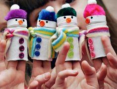 Marionetas de muñeco de nieve reciclado
