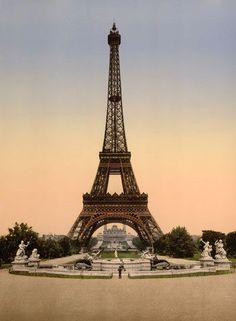 Eiffel Tower, Exposition Universelle, 1900 - 20x200