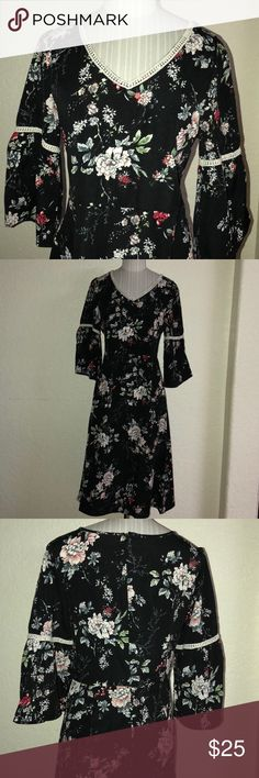 💕pre loved 3/4 floral dress 💕In excellent condition and very comfortable to wear all day Etwo Dresses