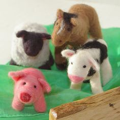 Needle felted farm animals - I SOOO want to learn  how to do this!