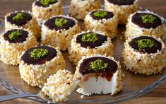 Bulgarian Recipes, Turkish Recipes, Ethnic Recipes, Arabian Food, Snack Recipes, Dessert Recipes, Mini Cheesecakes, Food Decoration, Easy Desserts