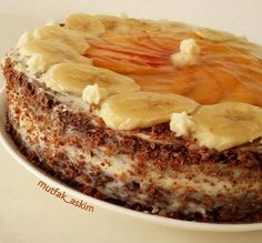 If you want to make a delicious cake with cream and banana covered with the fruits you want, you can benefit from the recipe. If you want to make a delicious cake with cream and banana covered with the fruits you want, you can benefit from the recipe. Easy Cake Recipes, Dessert Recipes, Desserts, Pastry Cake, Turkish Recipes, Yummy Cakes, Food And Drink, Meals, Fruit