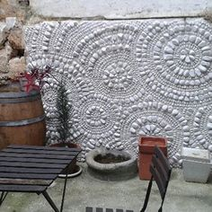 mosaic flooring Ariane Blanquet, mosaic - France - My Trends for ART Pebble Mosaic, Stone Mosaic, Mosaic Glass, Pebble Art, Fused Glass, Stained Glass, Mosaic Crafts, Mosaic Projects, Garden Projects