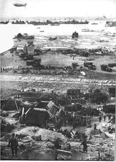 Omaha Beach, Normandy, 1944. (Robert Capa)