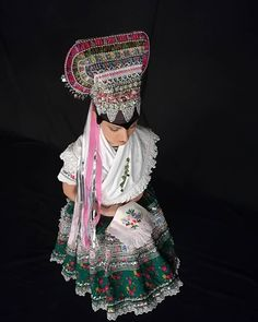 Tekov, Slovakia Folk Costume, Costumes, Pictures To Paint, Ethnic Fashion, Traditional Outfits, Beautiful Dresses, Captain Hat, Korea, The Incredibles