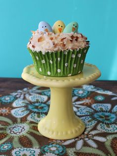 Easy + Adorable Easter Cupcake Decorating Ideas From HGTV's Design Happens Blog