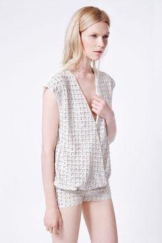 Blusa Alice - Crepe de seda y bordado. Short Collins - Crepe de seda y bordado.