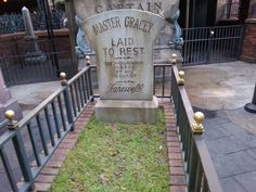 Master Gracey's final resting place in the queue at Haunted Mansion, Orlando.  Photo by John Eagen