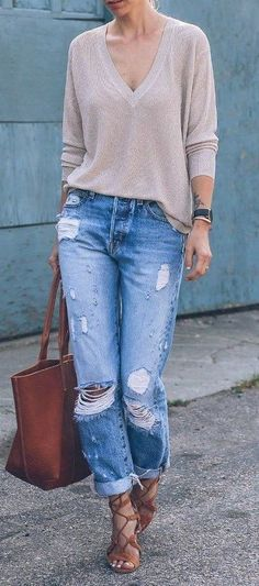 Ripped Jeans Outfit – Ripped to the Core