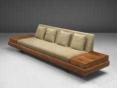 A 'Platform' sofa designed by Adrian Pearsall and produced by Craft Associates, USA in the Diy Sofa, Sofa Furniture, Furniture Design, Plywood Furniture, Modern Furniture, Wooden Sofa Set Designs, Wood Sofa, Wooden Couch, Sofa Frame