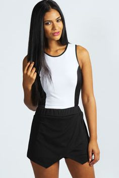 Shop boohoo's range of womens and mens clothing for the latest fashion trends you can totally do your thing in, with of new styles landing every day! Box Pleat Skirt, Pleated Skirt, Wrap Skort, Sequin Shorts, Slogan Tee, Online Shopping Clothes, Affordable Fashion, Latest Fashion Trends, Mini Skirts