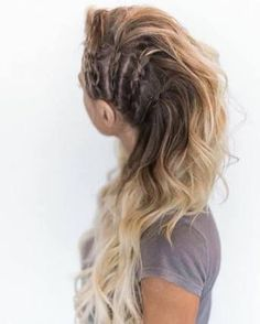 lagertha, viking coiffure, katheryn winnick inspiration, blond hair, braids on the perimeters Hair Images, Hair Pictures, Hairstyles Pictures, Lagertha Hair, Vikings Lagertha, Curly Hair Styles, Natural Hair Styles, Side Braid Hairstyles, Viking Hairstyles