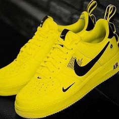 ⛸️Item: 💯 Lethal Nike🔥🔥🔥 💎Assortment: available in different… – light-lenses Jordan Shoes Girls, Girls Shoes, Cute Sneakers, Sneakers Nike, Adidas Shoes, Sneaker Store, Nike Shoes Air Force, Fly Shoes, Women's Shoes