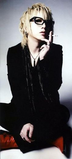 Takanori/Ruki Matsumoto (the GazettE) this is one of my favorite pictures of him! ♡ω♡ (*^。^*)