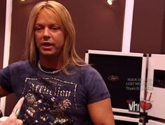 Bret Michaels w/o a hat or bandana Bret Michaels Poison, Bret Michaels Band, Glam Rock Bands, 80s Hair Bands, Music People, Rock Legends, Creative People, Man Alive, Music Bands