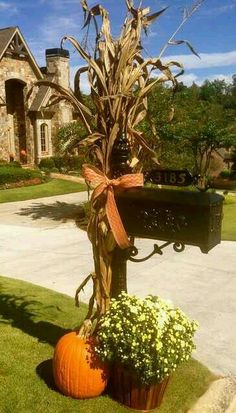 Mailbox decor for fall