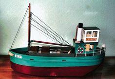 Puffin! Model steamer by Reg Swinson