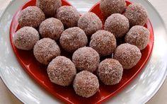 Verras je partner met deze heerlijke Valentijn's Kersen Bonbons! Ze zijn gemakkelijk te maken en erg lekker! Veel kookplezier!