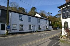 A 2 bedroom recently renovated cottage right  in the heart of St Agnes