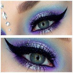 Blue fairy makeup 70 halloween makeup ideas Blaue Fee Make-up 70 Halloween Make-up-Ideen. Colorful Eye Makeup, Blue Eye Makeup, Purple Fairy Makeup, Fairy Eye Makeup, Mermaid Eye Makeup, Mermaid Eyes, Eyeshadow For Blue Eyes, Eyeshadow Makeup, Eyeshadows