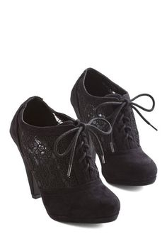 Numerous Occasions Heel in Black. With their Oxford-inspired design and crocheted sides, these black heels are perfect for a plethora of outings. #gold #prom #modcloth
