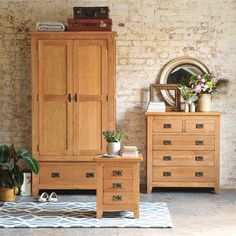 Oakland Double Wardrobe Bedroom Set (K420) with Free Delivery | The Cotswold Company. Country Furniture, Country Home, Country Style, Oak Furniture, Furniture Dressing, Oak Furniture, Oak Bedroom Furniture, Oak Drawers, Bedroom Set, Oak Bedside Table, Oak Gentlemans Wardrobe.