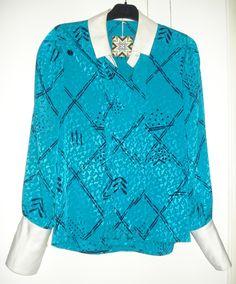 Aangeboden door vintage store Things I like Things I love: 70's style polyster blouse tourquoise met witte kraag en lange manchetten, maat L.