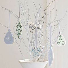 christbaumschmuck filz anhänger basteln weiß glitter gel