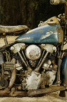Harley Davidson Knucklehead wearing its work clothes! Harley Davidson Knucklehead, Harley Davidson Chopper, Vintage Harley Davidson, Knucklehead Motorcycle, Harley Bobber, Classic Harley Davidson, Harley Bikes, Harley Davidson Motorcycles, Motorcycle Rides