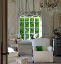 Today's inspiring home tour features the lovely work of business owner, interior designer, and author of the award winning Belgian Pearls, Belgian Decor Inspiration from Greet Lefèvre Greet… Living Room Decor, Living Spaces, Cosy Home, Belgian Style, French Decor, Interior Design Inspiration, Garden Inspiration, Interiores Design, Beautiful Homes