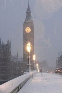 Snowy night ~ London