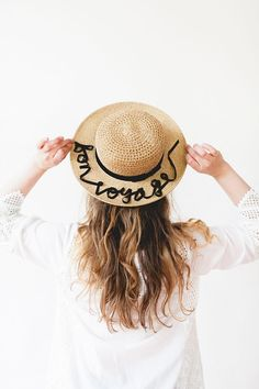 DIY // appliquéd ribbon statement sunhat, Diy And Crafts, ribbon statement hat. Do It Yourself Crafts, Project Yourself, Diy Craft Projects, Diy Crafts, Diy Kleidung, Diy Vetement, Diy Mode, Diy Hat, Fashion Project