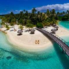 Bora Bora island (France) is surrounded by a large lagoon and a long reef. Island famous for its clear blue water and fine white sand surrounded. This beautiful island is very much in favor of calling the tourist paradise in the Pacific ocean.