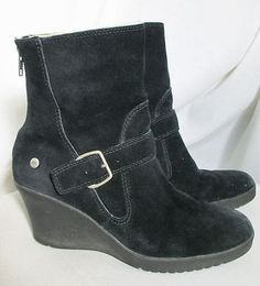 UGG 9 Black Suede Boots S/N 5593