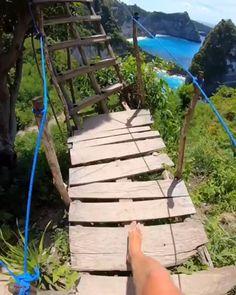 Nusa Penida Island, Bali, Indonesia - The Travel Hacking Life - Nature travel Beautiful Places To Travel, Wonderful Places, Beautiful World, Beautiful Islands, Beautiful Beaches, Vacation Places, Dream Vacations, Vacation Spots, Romantic Vacations