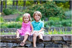 children's coordinated portrait outfits~summer. not matchy-matchy, but coordinated! LOVE!  ~Emily Dean Photography
