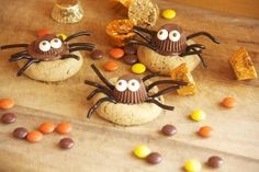 Halloween Recipes : Cute and easy, but also so yummy these chocolate and peanut butter cookies are the perfect Halloween treat!