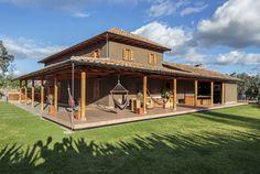 Loma House by Iván Andrés Quizhpe