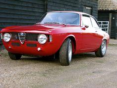 Alfa Romeo Junior, Alfa Romeo 159, Alfa Romeo Cars, Los Cars, Alfa Romeo Giulia, Triumph Bonneville, Rich Man, Car Manufacturers, Old Trucks