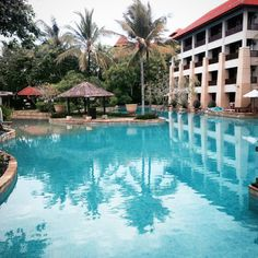 Conrad Bali Resort Hotel Review by Wilson Travel Blog Bali Resort, Resort Spa, Us Travel, Family Travel, Conrad Hotel, Bali Wedding, Hotel Spa, Hotel Reviews, Hotels And Resorts