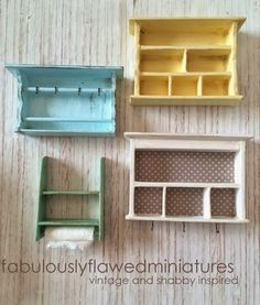 Handmade Dollhouse Miniatures in Shabby Chic, Vintage, Cottage and Farmhouse Sty. Handmade Dollhouse Miniatures in Shabby Chic, Vintage, Cottage and Farmhouse Style. Lots of photos and tutorials and inspiration. Dollhouse Miniature Tutorials, Miniature Crafts, Miniature Dolls, Diy Dollhouse Miniatures, Dollhouse Ideas, Dollhouse Dolls, Diy Barbie Furniture, Miniature Dollhouse Furniture, Doll House Crafts