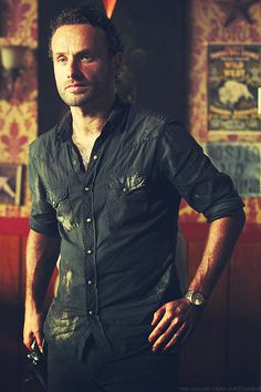 "I ADORE THIS PIC OF ANDREW LINCOLN AS ""RICK GRIMES"" ~ THERE IS ALL KINDS OF SEXY GOING ON HERE."